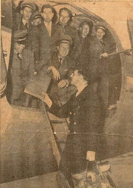 April 1946. Ed Martz and rest of Veterans Air Express crew back from first Prague flight.